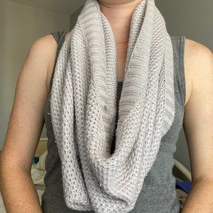Victoria's Secret Grey Circle Scarf
